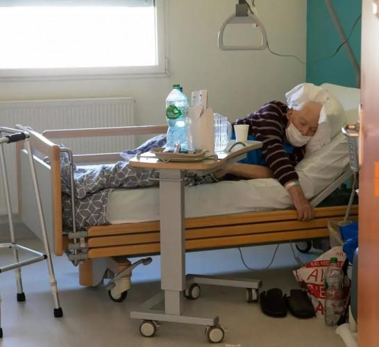 ehpad, coronavirus, établissement, personnes âgées, aides soignants, personnel